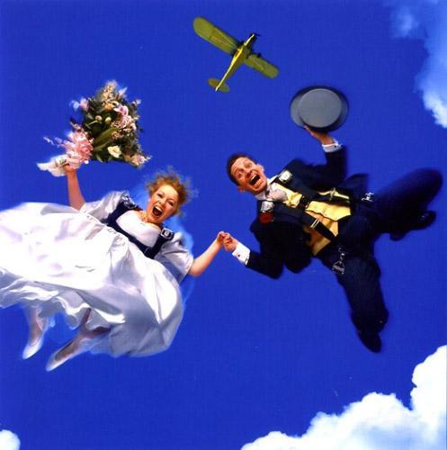 прикольная свадьба в полете