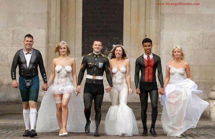 прикольная свадьба риосванные костюмы