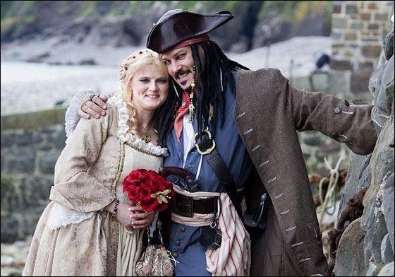 прикольная свадьба пираты