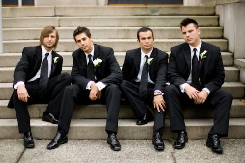 Друзья жениха: идеи для свадебных фото