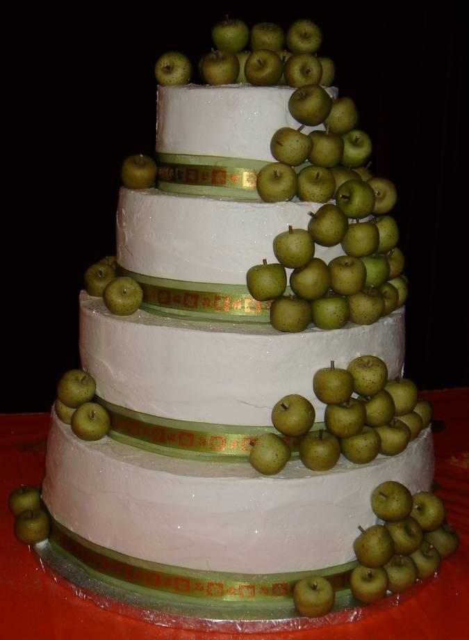 свадьба в стиле яблоки и торт для нее