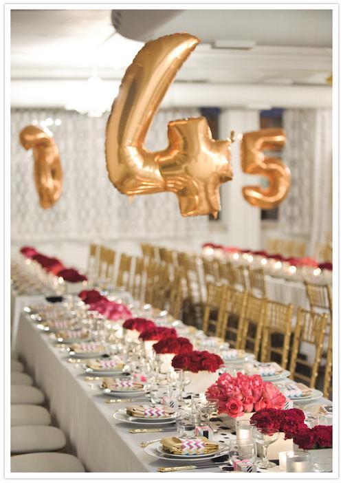 Номер стола на свадьбу в форме воздушного шара