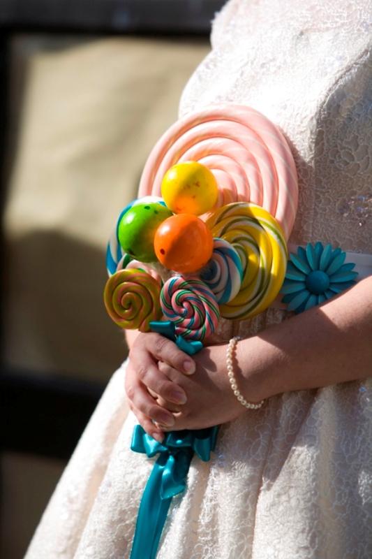 необычный свадебный букет: леденцы
