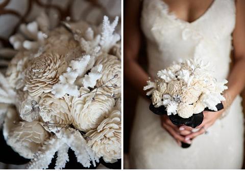 необычный свадебный букет: бело-черный
