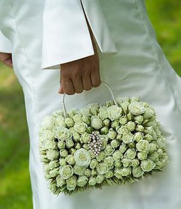 необычный свадебный букет: сумочка