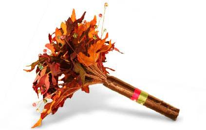 необычный свадебный букет: кленовые листья