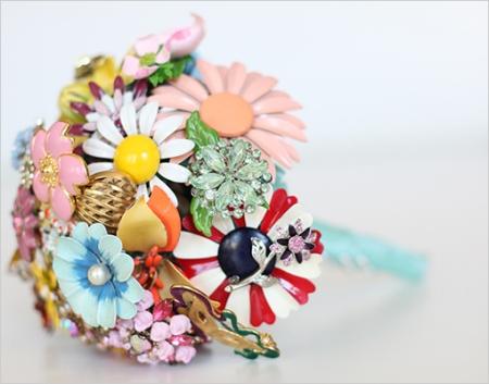 необычный свадебный букет: искусственные цветы