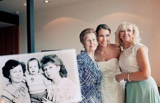 идея фото с мамой и бабушкой