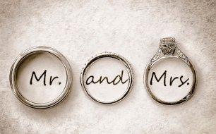мистер и миссис надписи с обручальными кольцами