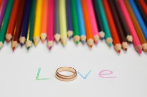 надпись love с кольцом