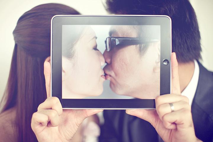 необычное фото поцелуя