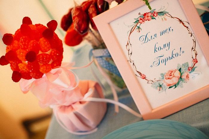 сладкий стол на свадьбе, фишки для свадебного стола, идея для сладкого стола для тех кому горько