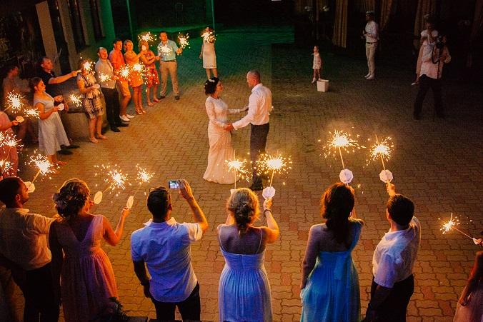бенгальский огонь на свадьбе, большой бенгальский огонь, бенгальские свечи свадьба,, бенгальский огонь отзыв, бенгальский огонь советы
